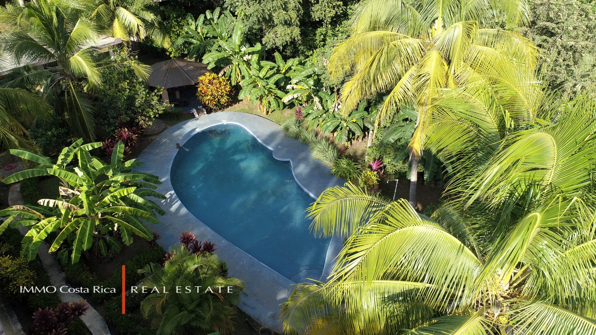 Exceptional Property/Lodge Style to exploit Avellanas Beach: 7 Cottages, a Restaurant, a Pool and Shops