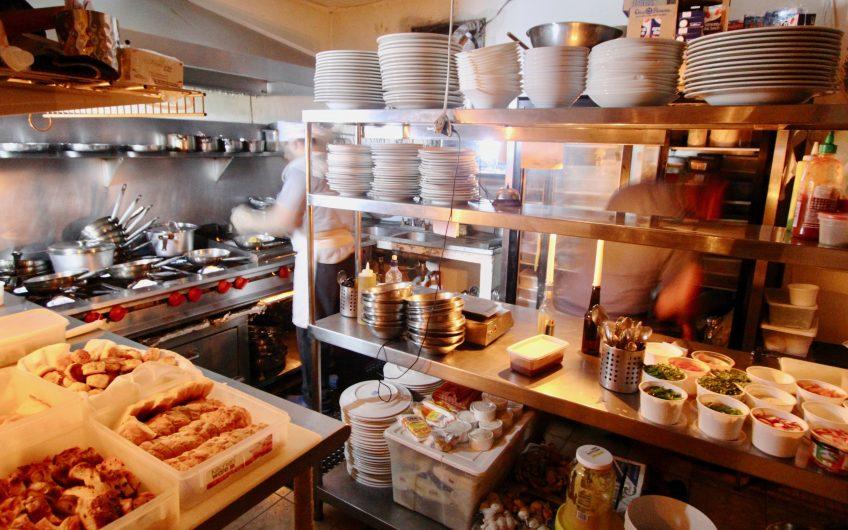 Oportunidad! Restaurante en Playa Tamarindo: excelente rentabilidad