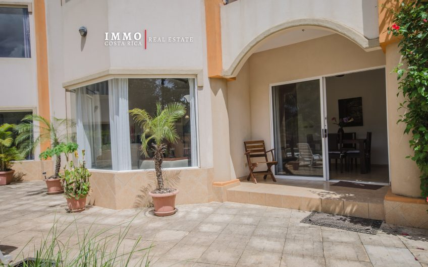 Perfect Condo location: 2 BRs in Tamarindo Beach 100 meters to the Beach