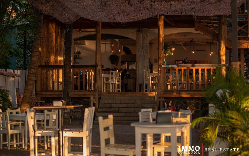 Restaurante/Bar en Playa Tamarindo:Ingresos Garantizados!